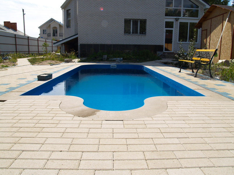 a_homebuilt_swimming_pool_thats_pretty_awesome_640_23